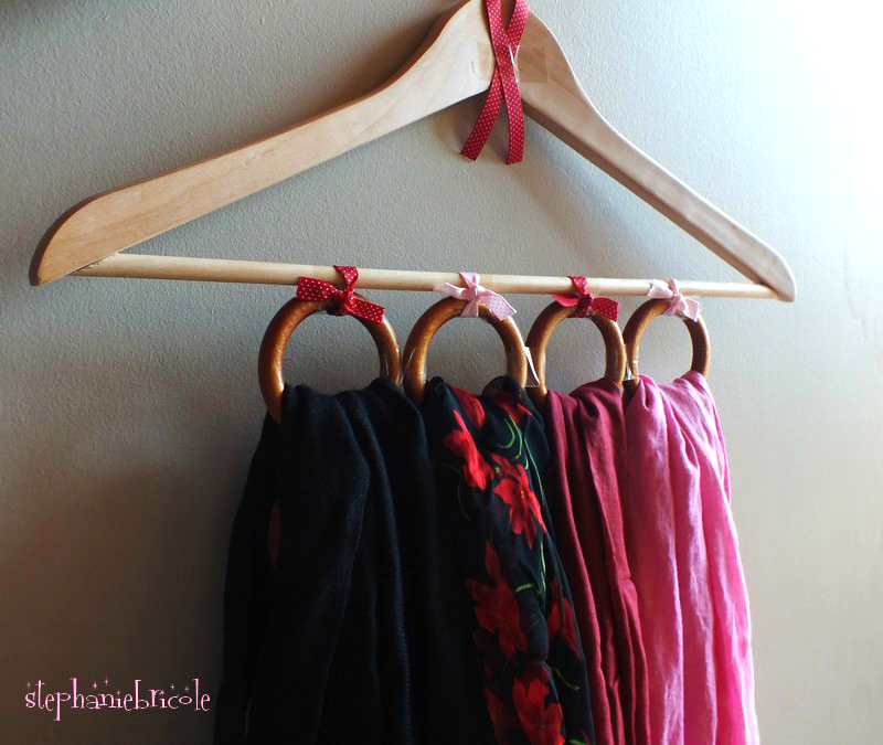 DIY : un cintre porte-foulard à customiser.