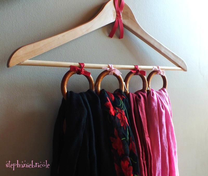 cintre porte-foulard