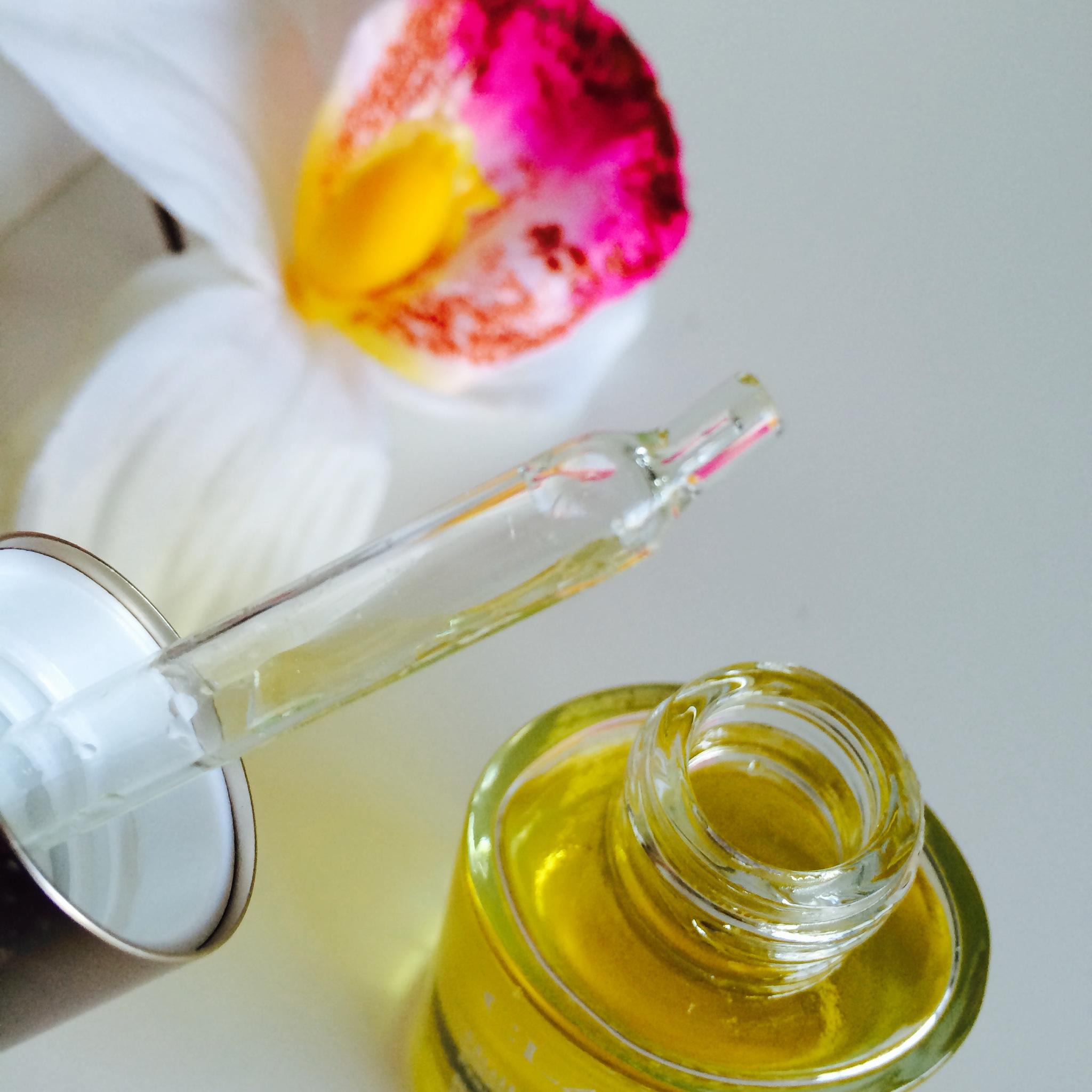 Huile orchidée Bleue - Clarins - Test produit - needs and moods