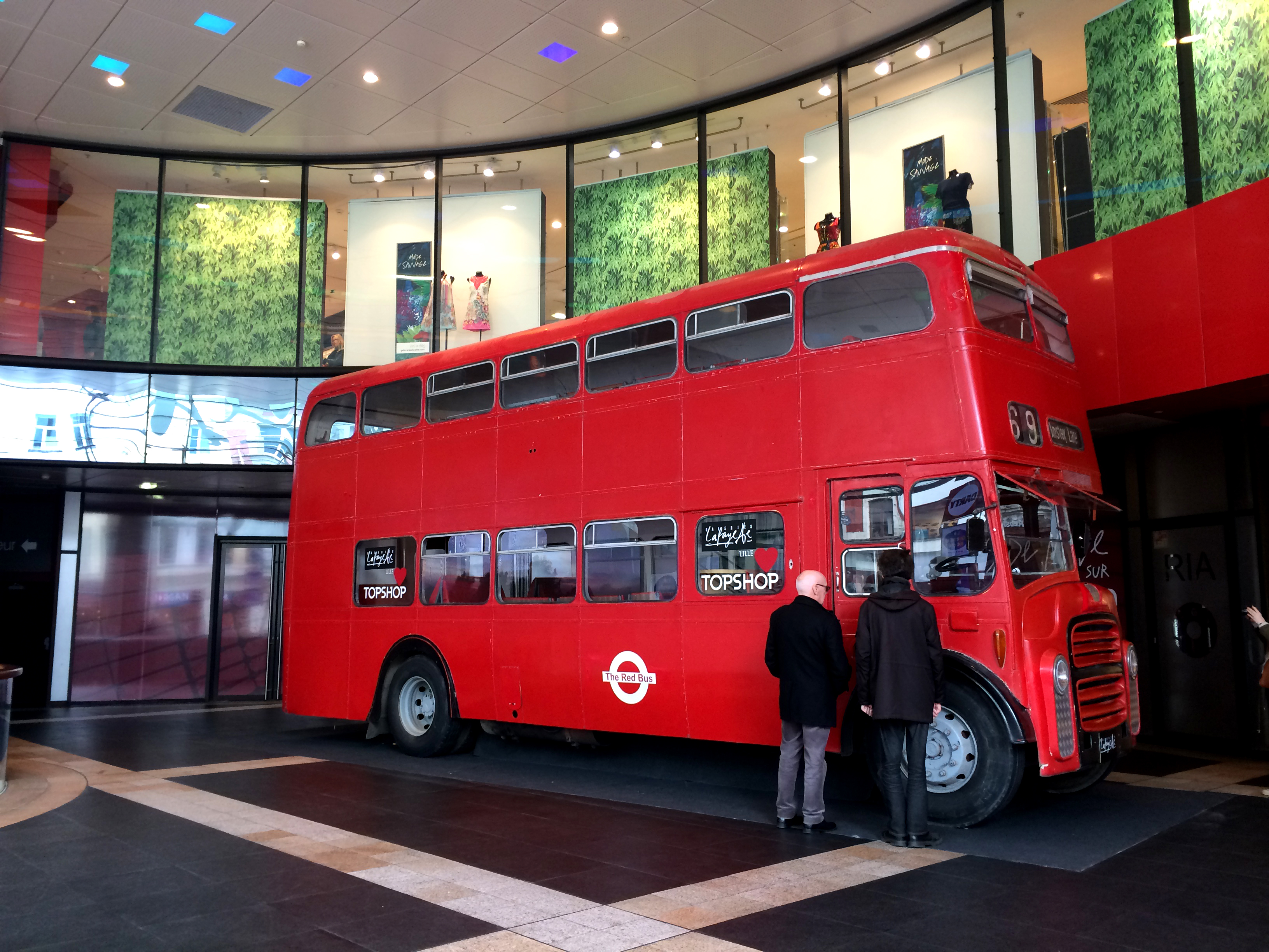 The Red Bus - Kate Moss - Topshop