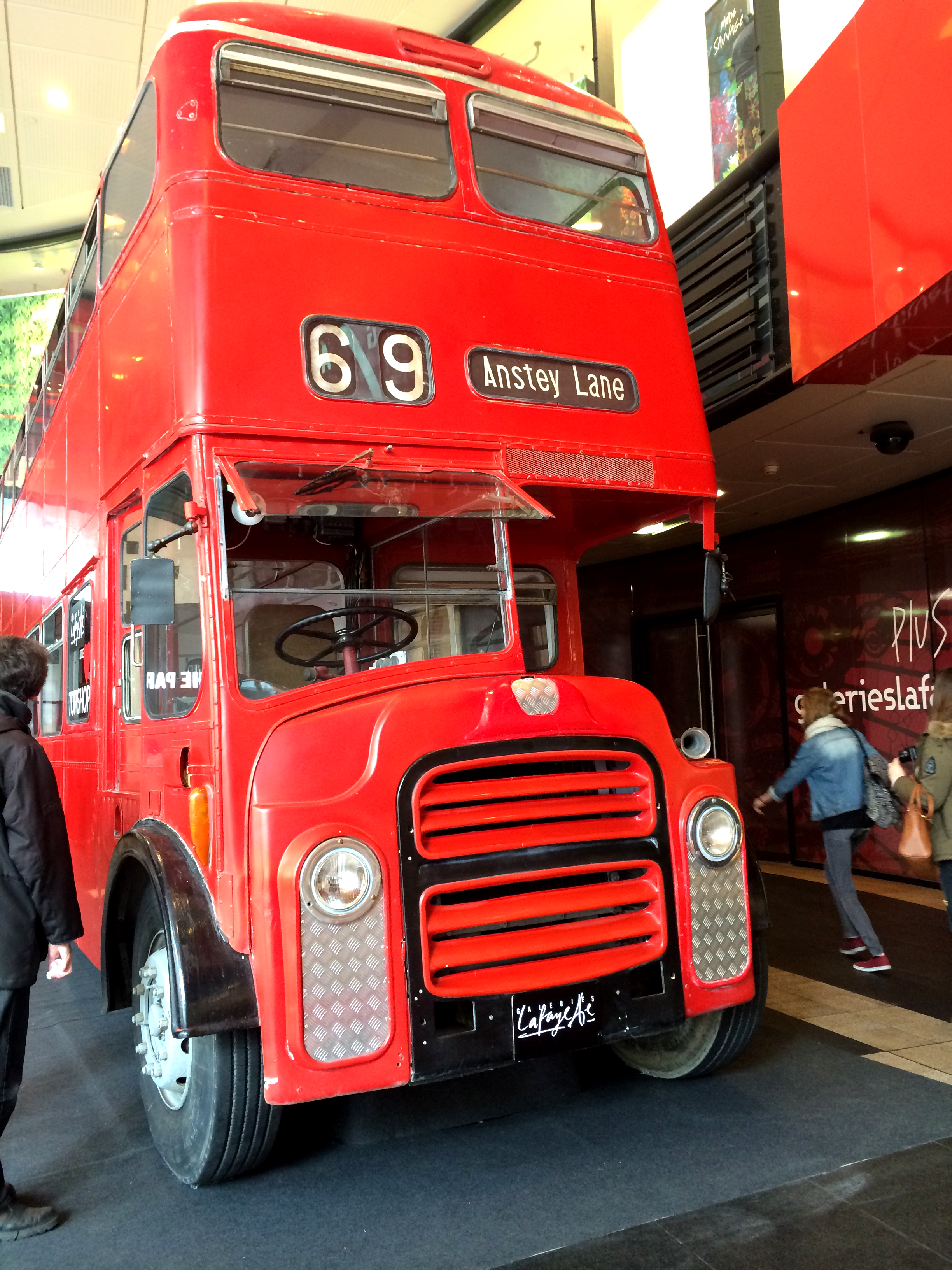 The Red Bus - Kate Moss - Topshop - Galeries Lafayette - Lille