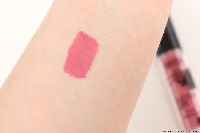 glossy lips lavera swatch