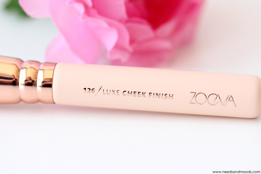pinceau zoeva luxe cheek finish 126