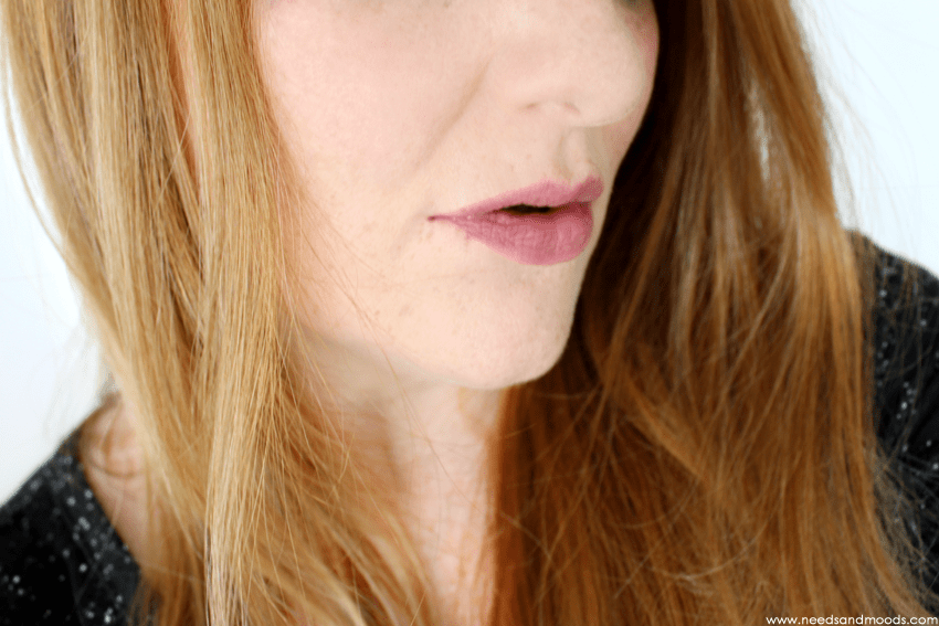 dior-cheek-lip-glow-swatch
