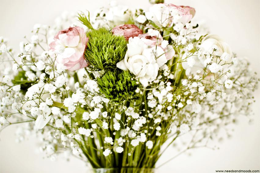 bouquet renoncules roses