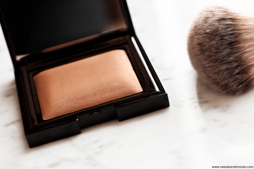 candleglow sheer perfecting powder laura mercier