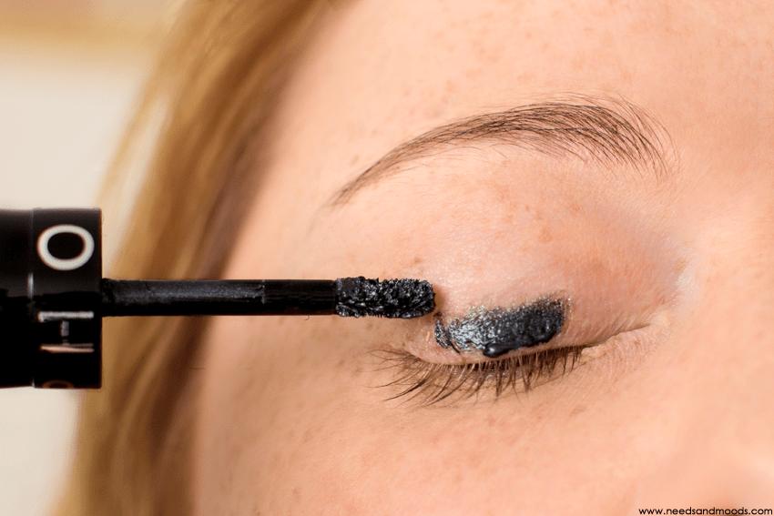 sephora outrageous eyeshadow swatch