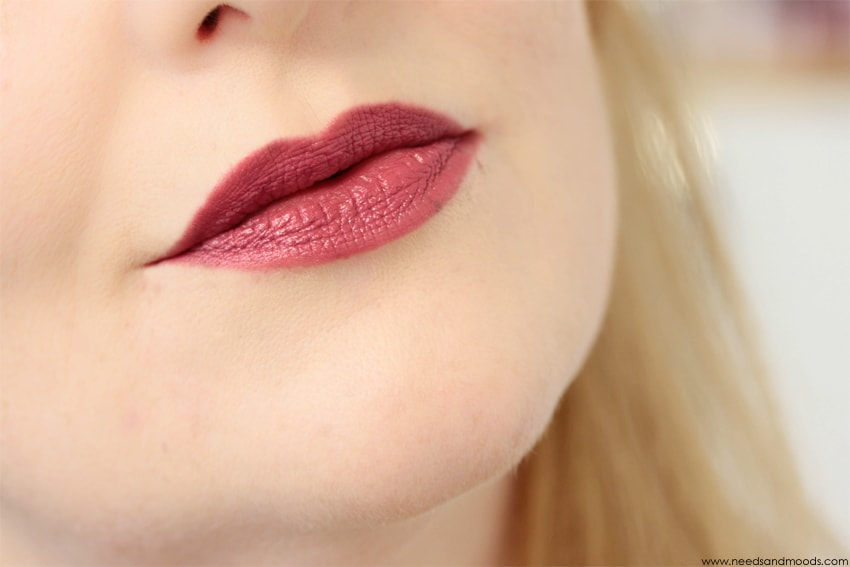 velour lovers coquette swatch