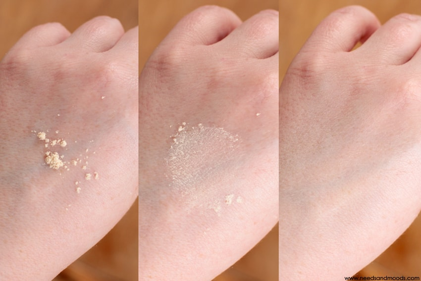 loose setting powder translucent swatch