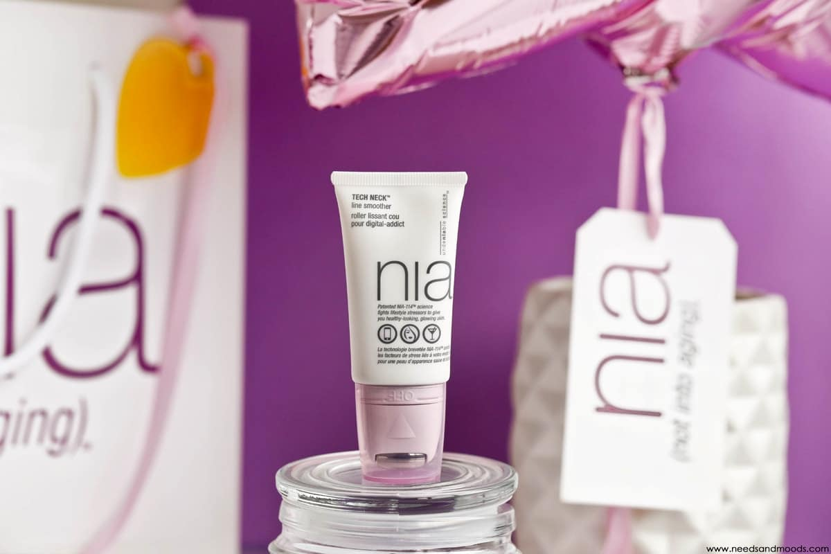 NIA skincare tech neck