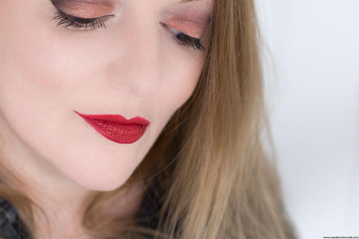 NARS blush hot sand makeup