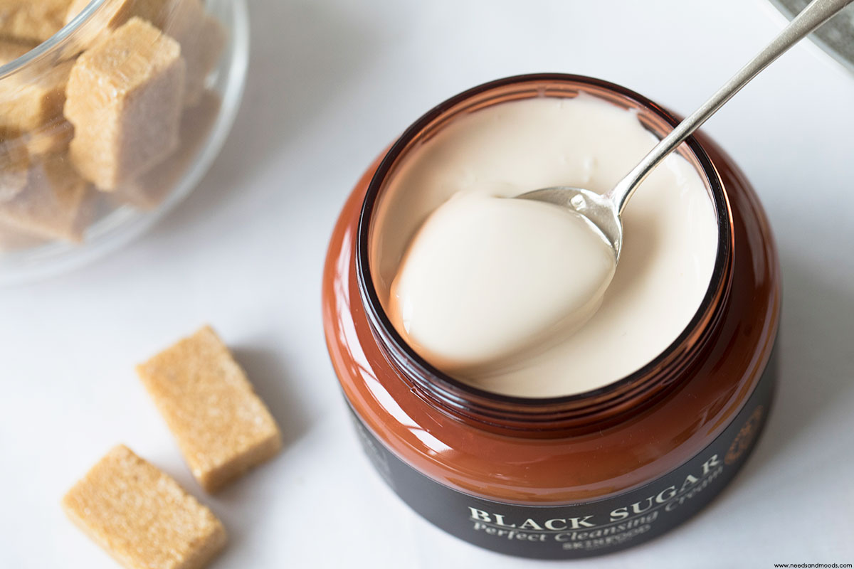Skinfood creme nettoyante visage Black Sugar