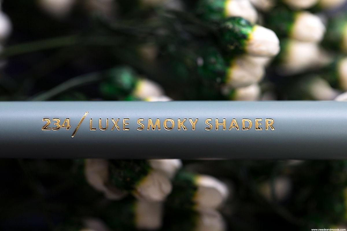 pinceau zoeva offline luxe smoky shader