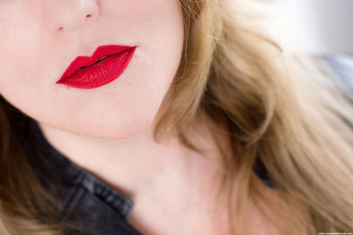 kat von d everlasting lip liner x swatch 2