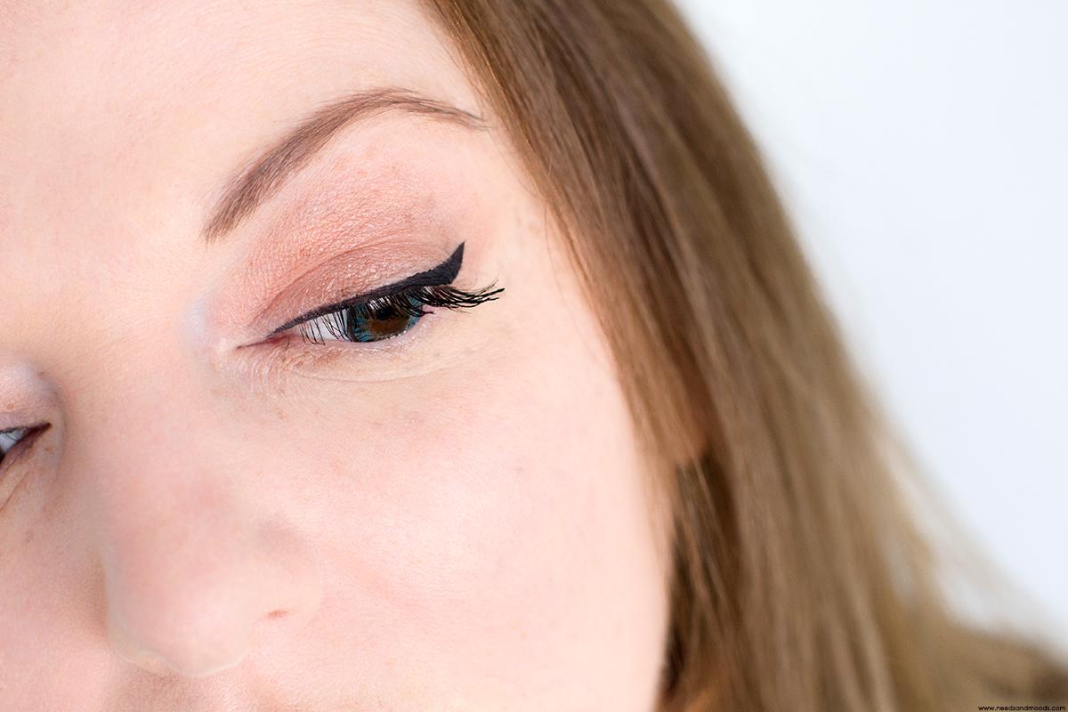 yves rocher eyeliner swatch