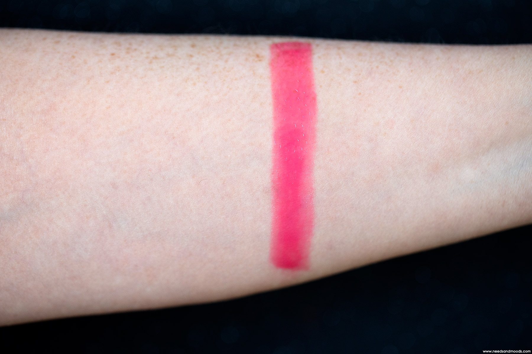 chantecaille lip chic petunia swatch