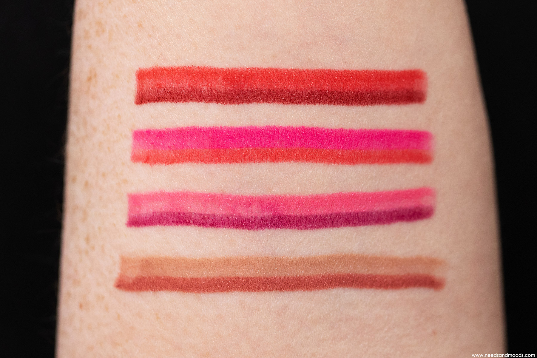 by-terry-twist-on-lip-swatch-2