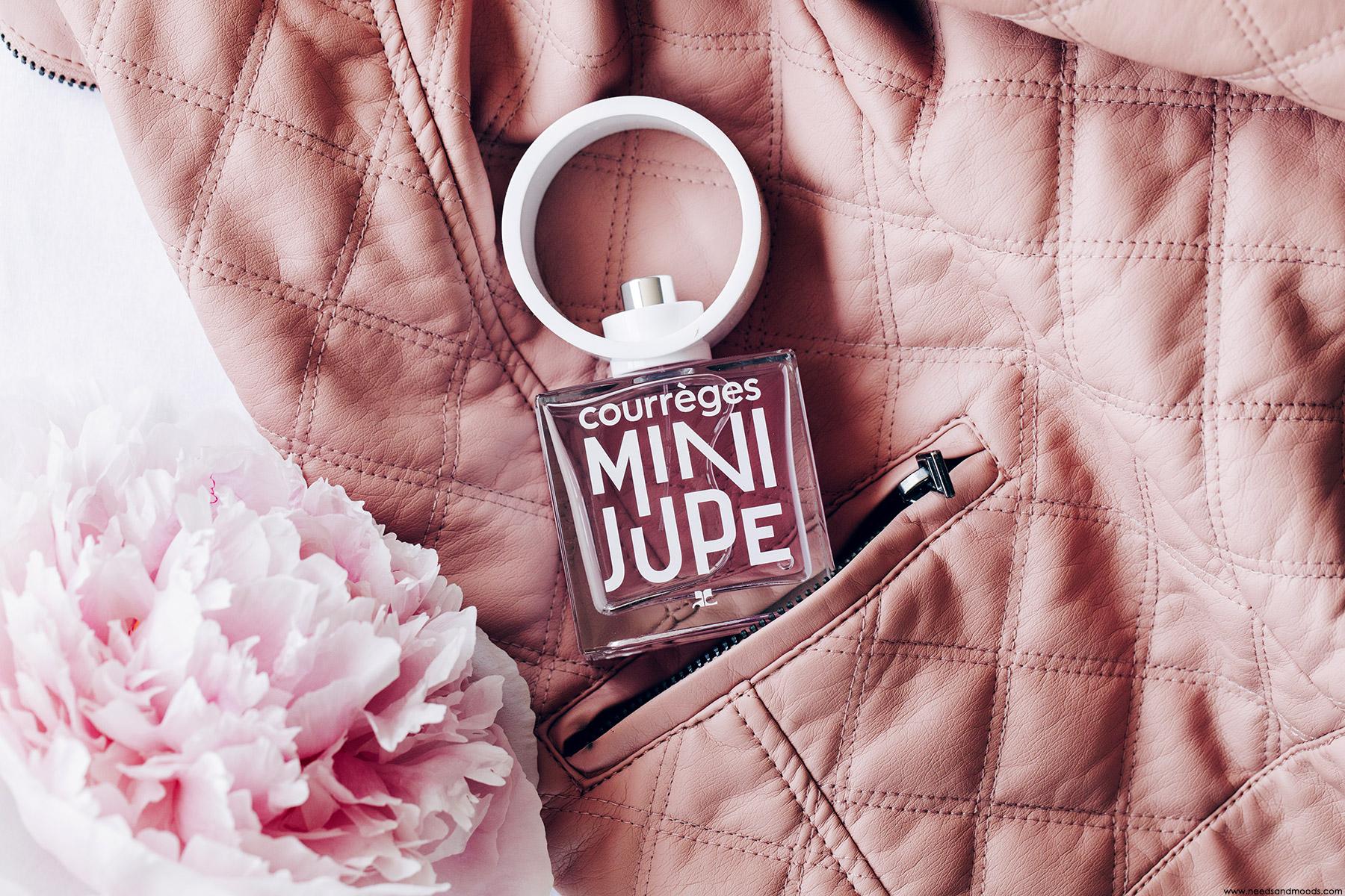 courreges parfum mini jupe