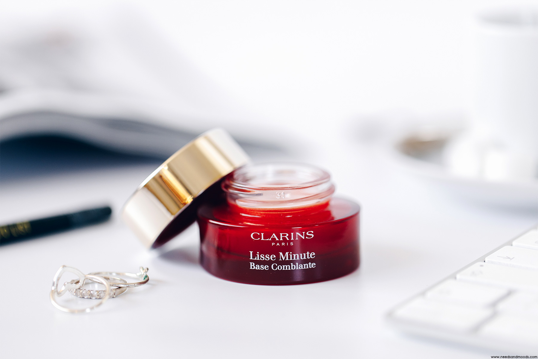 clarins instant smooth