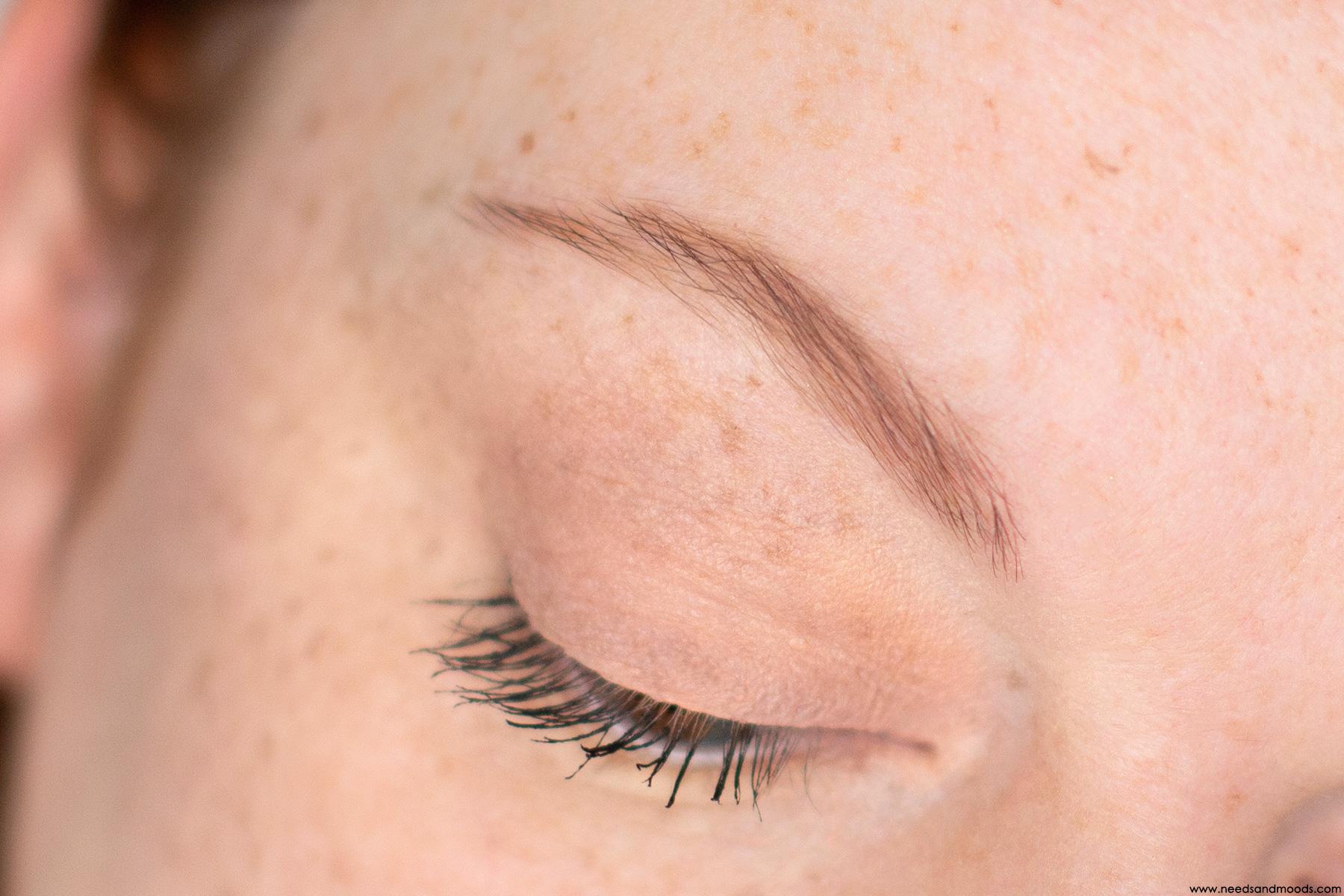 kat von d signature brow maquillage avant apres