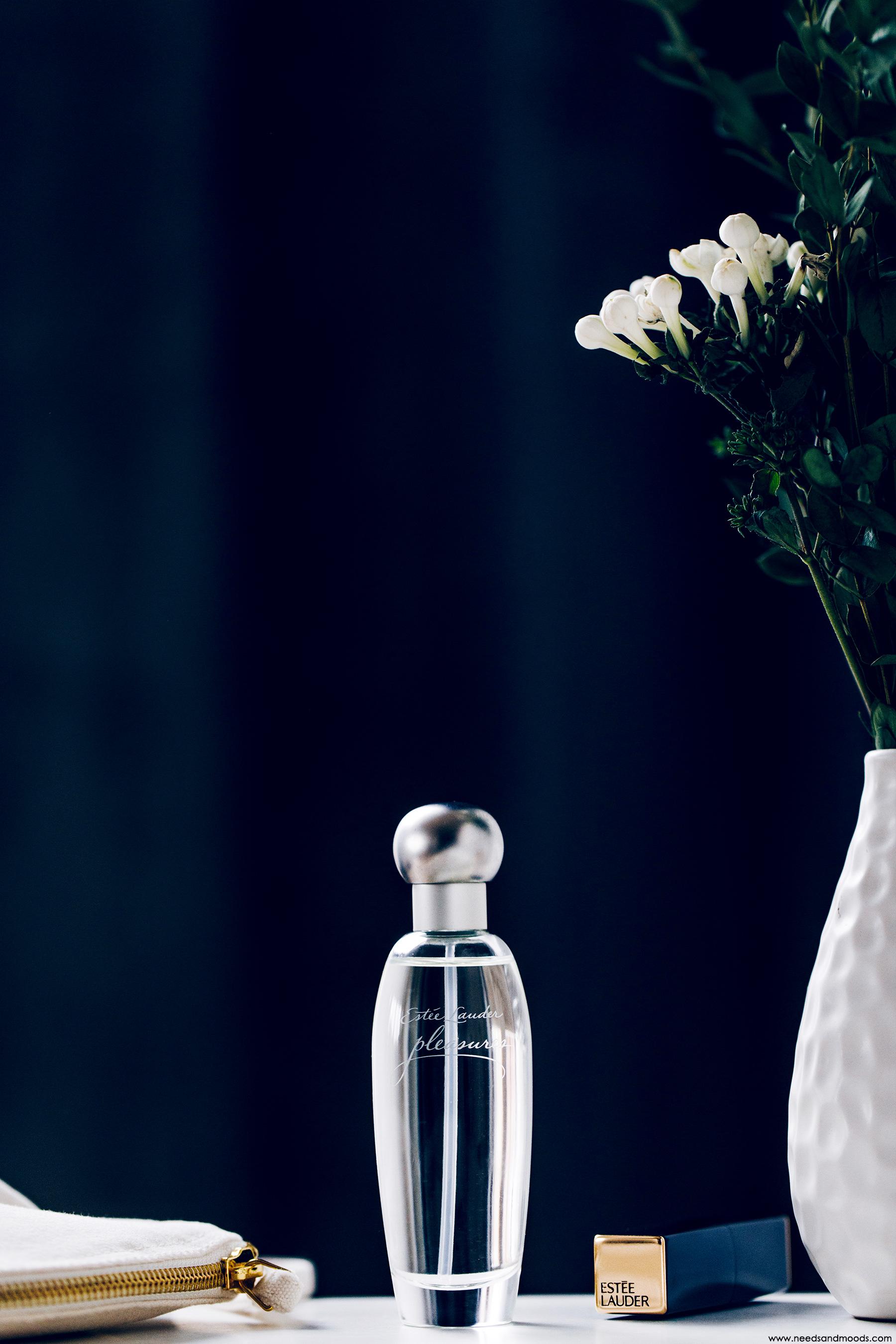 estee lauder parfum pleasures