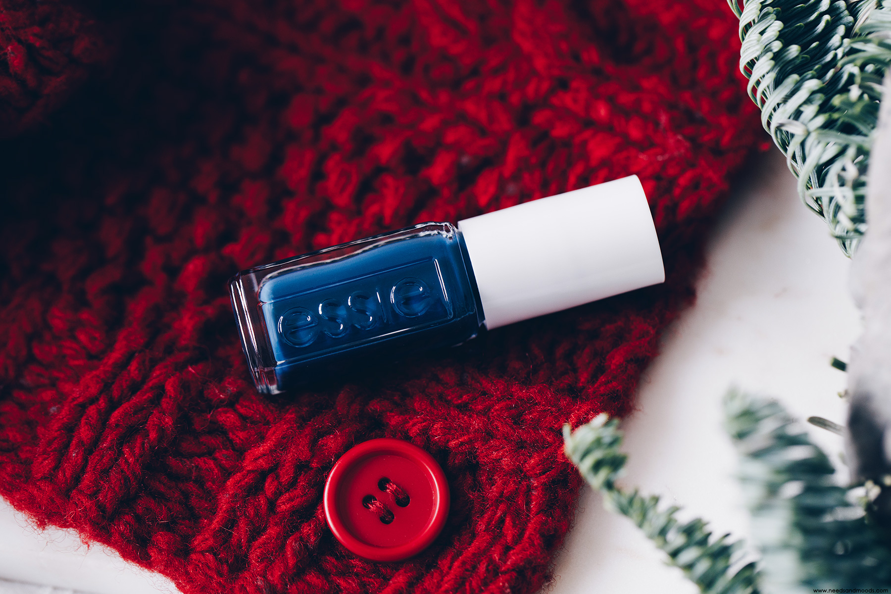 calendrier de l avent essie on your mistletoes