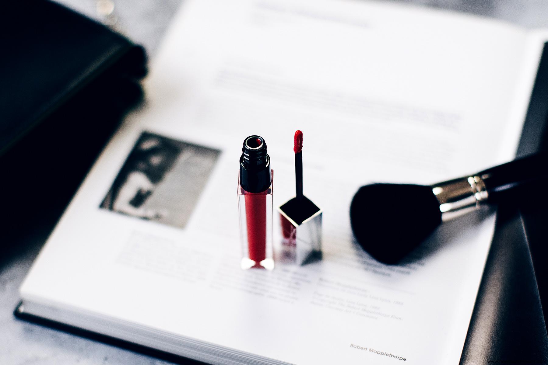 full vinyl lip lacquer NARS