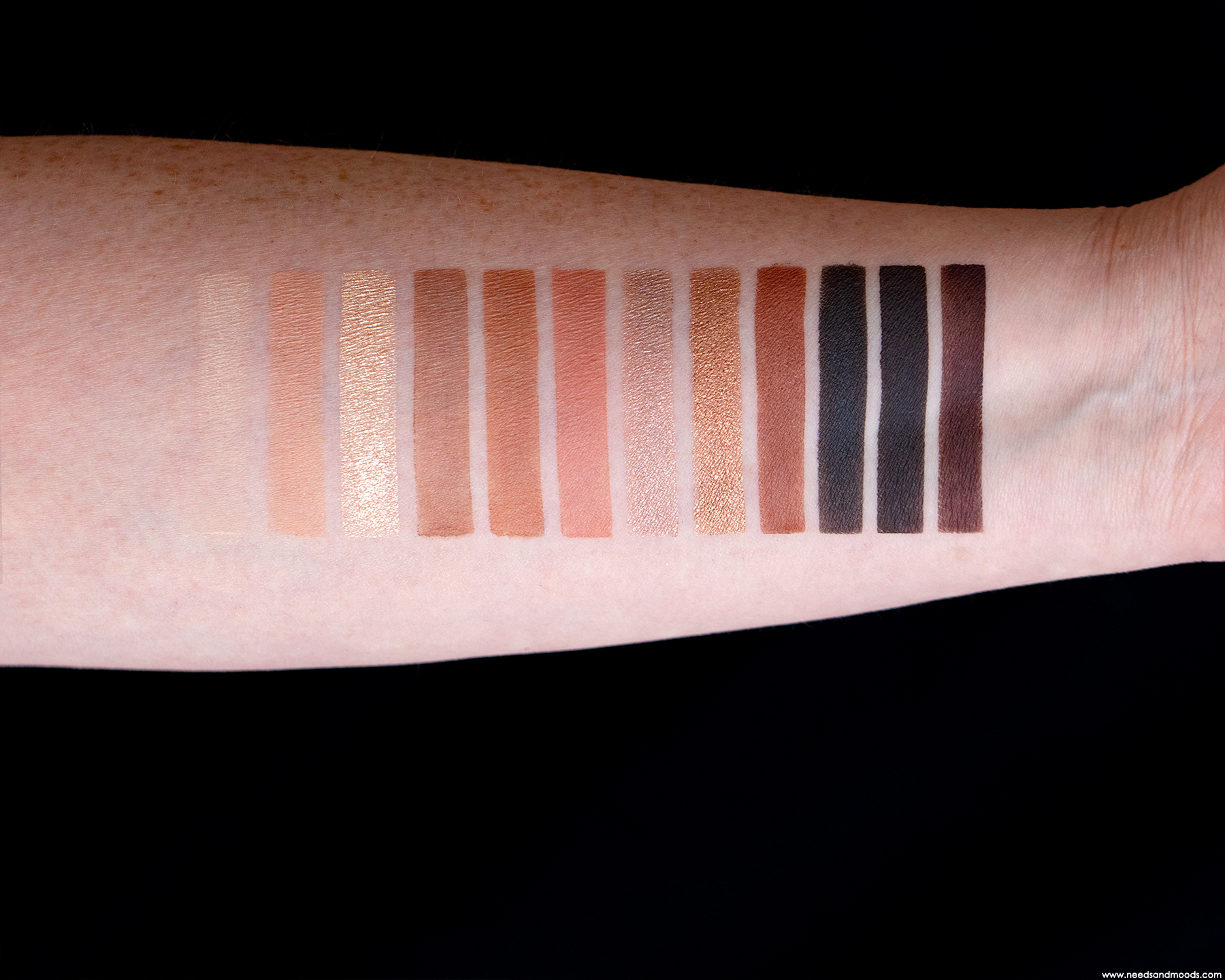 tarte-tartelette-in-bloom-swatch