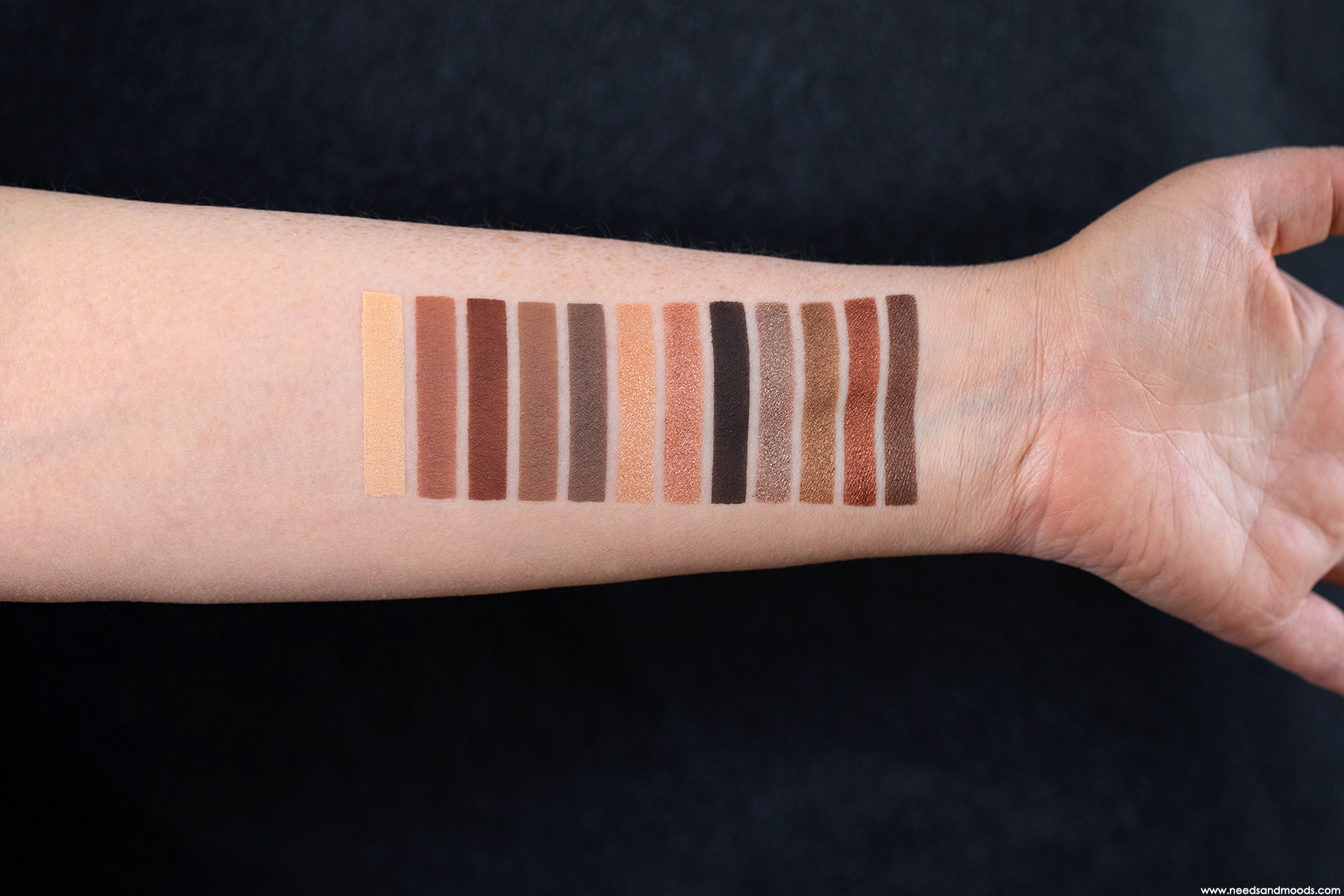 NARS Skin Deep Eye Palette swatch