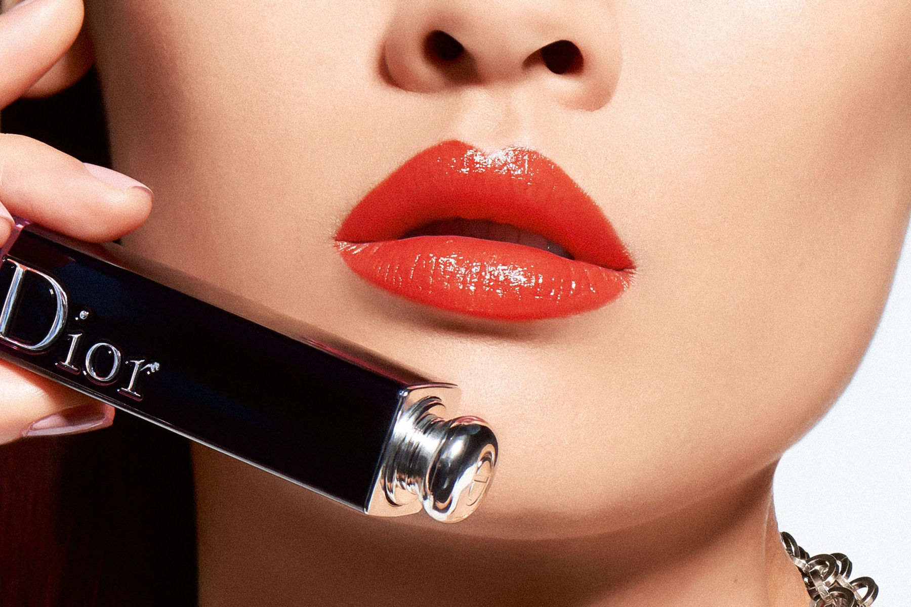 dior-addict-lacquer-stick-swatch-party-red