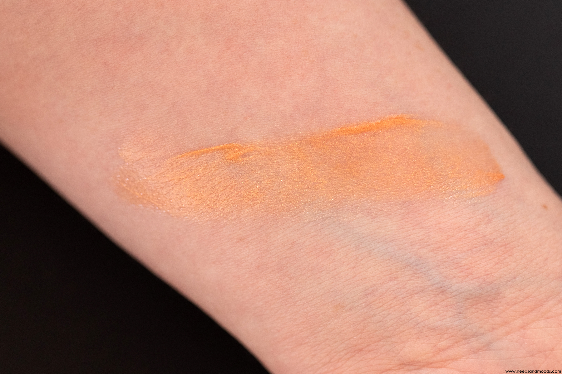 laura-mercier-sun-kissed-veil-swatch