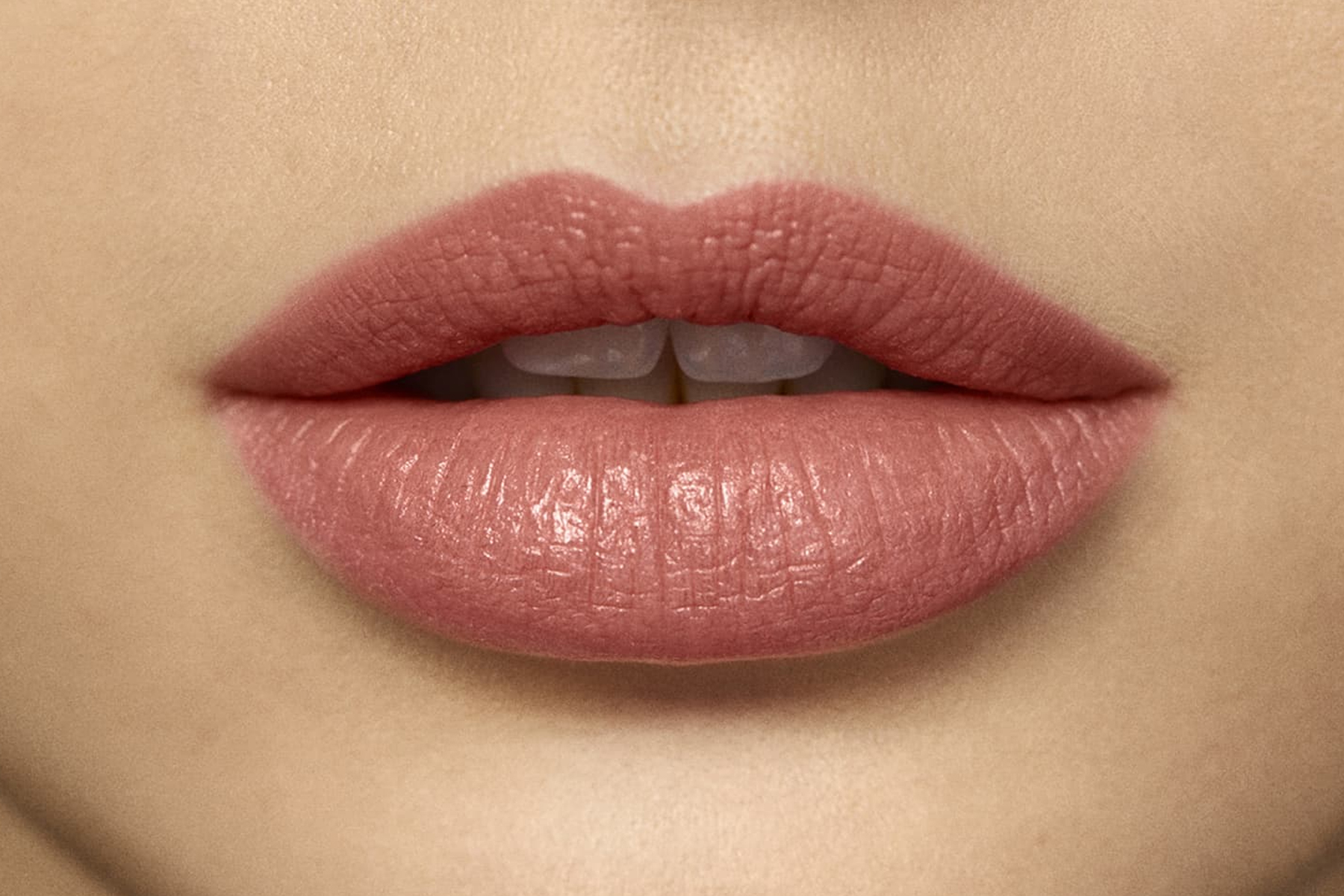 laura-mercier-rouge-essentiel-nude-nouveau-swatch