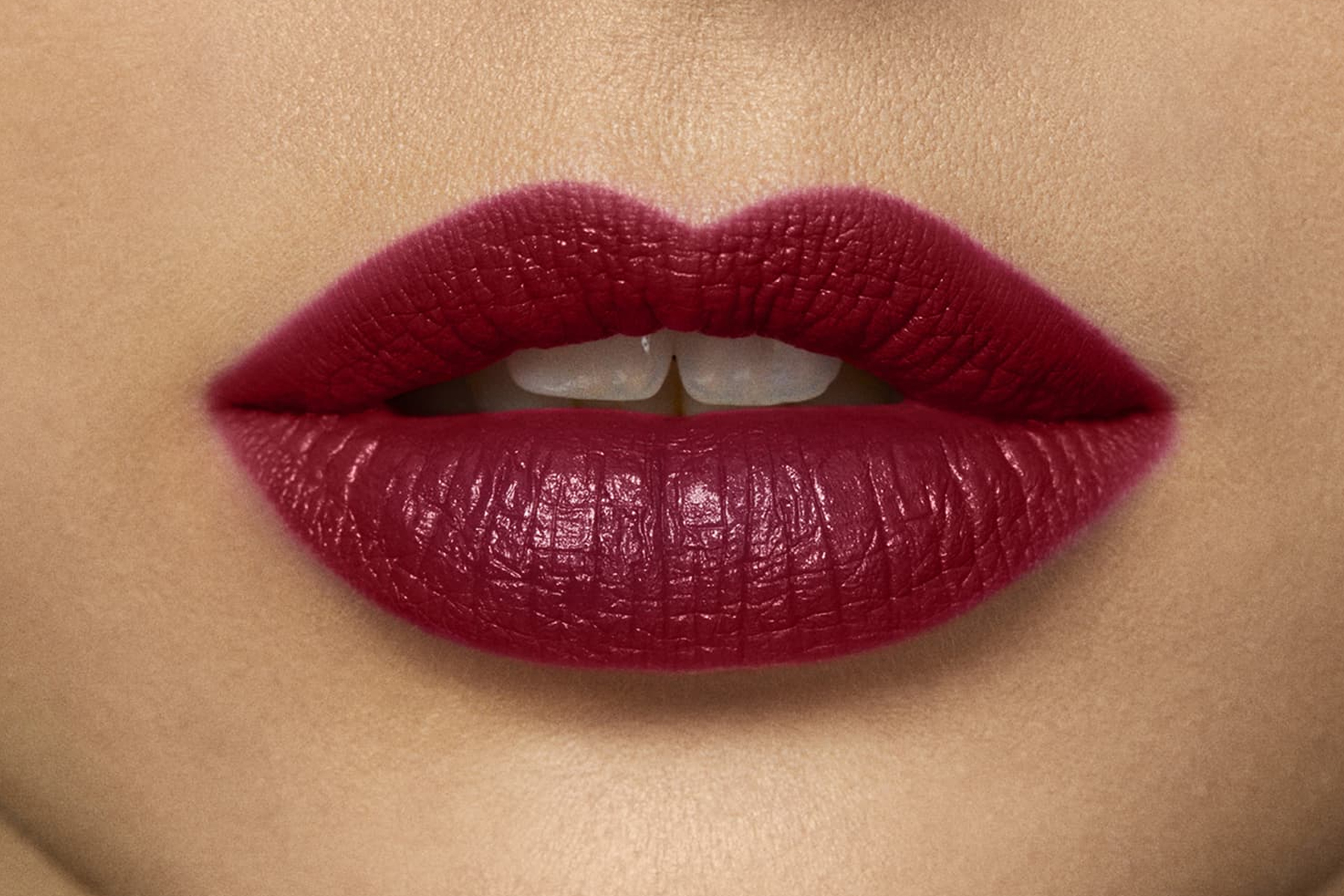 laura-mercier-rouge-essentiel-rose-rouge-swatch