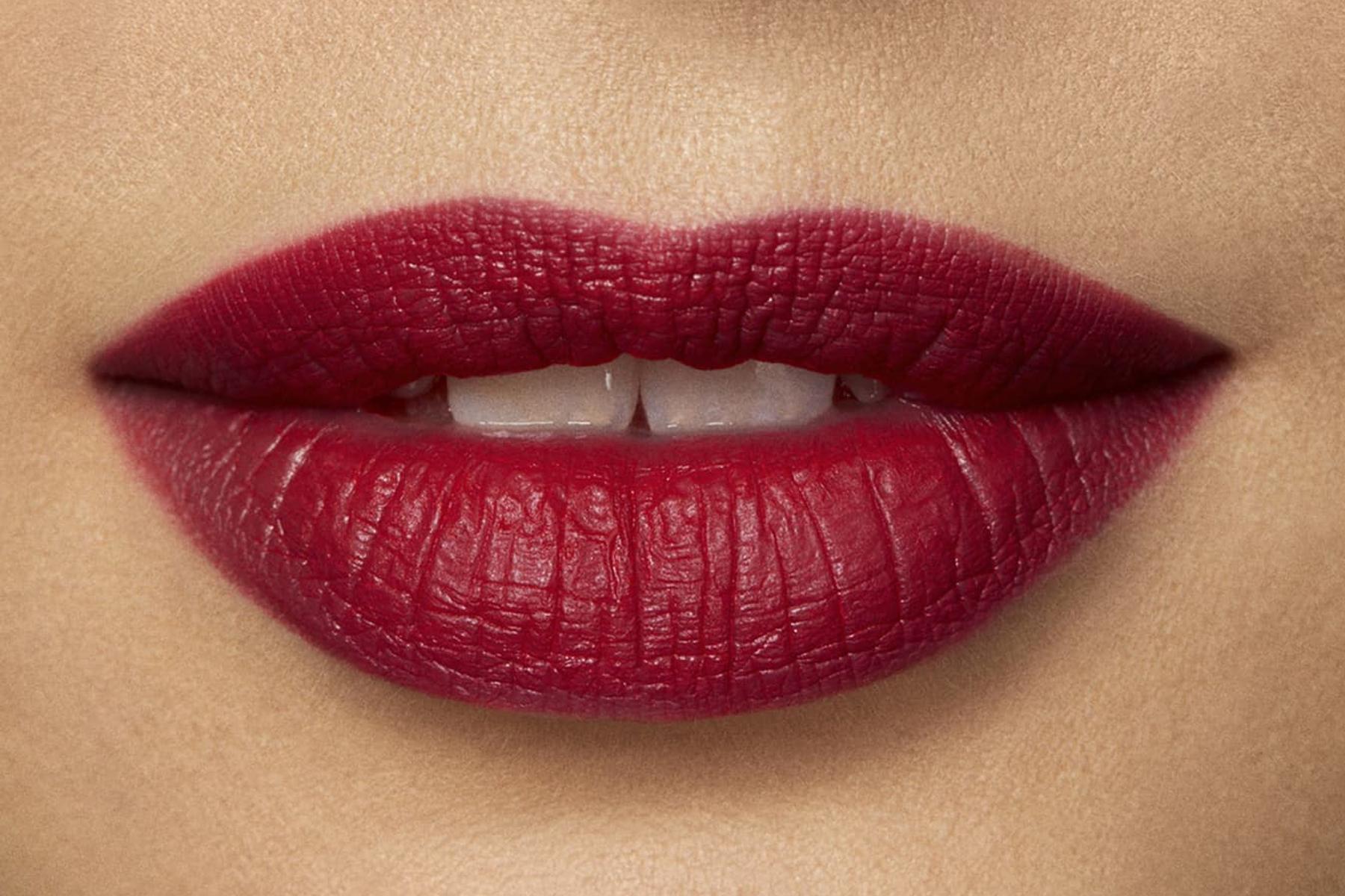 laura-mercier-rouge-essentiel-rouge-muse-swatch