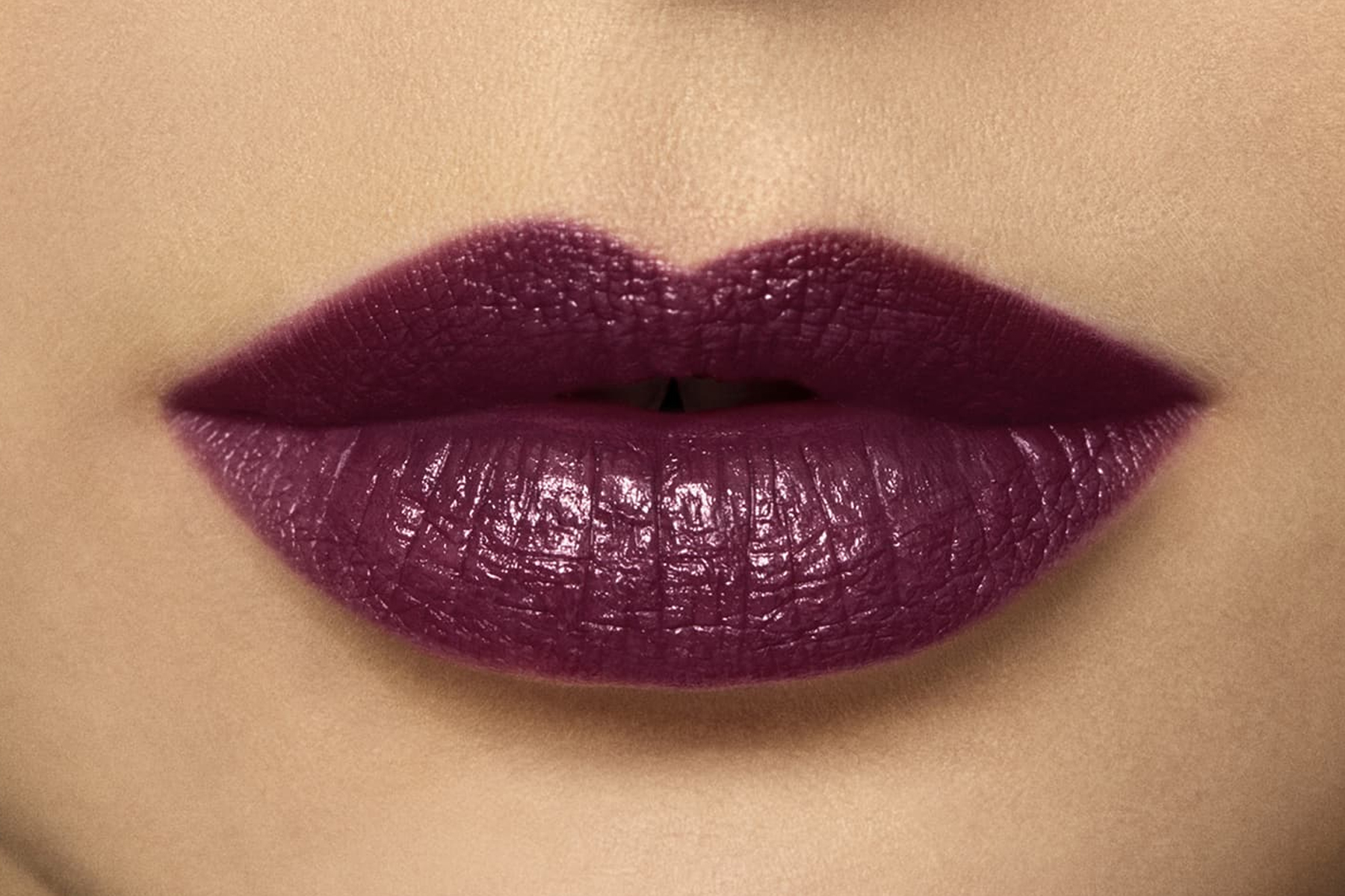 laura-mercier-rouge-essentiel-violette-swatch