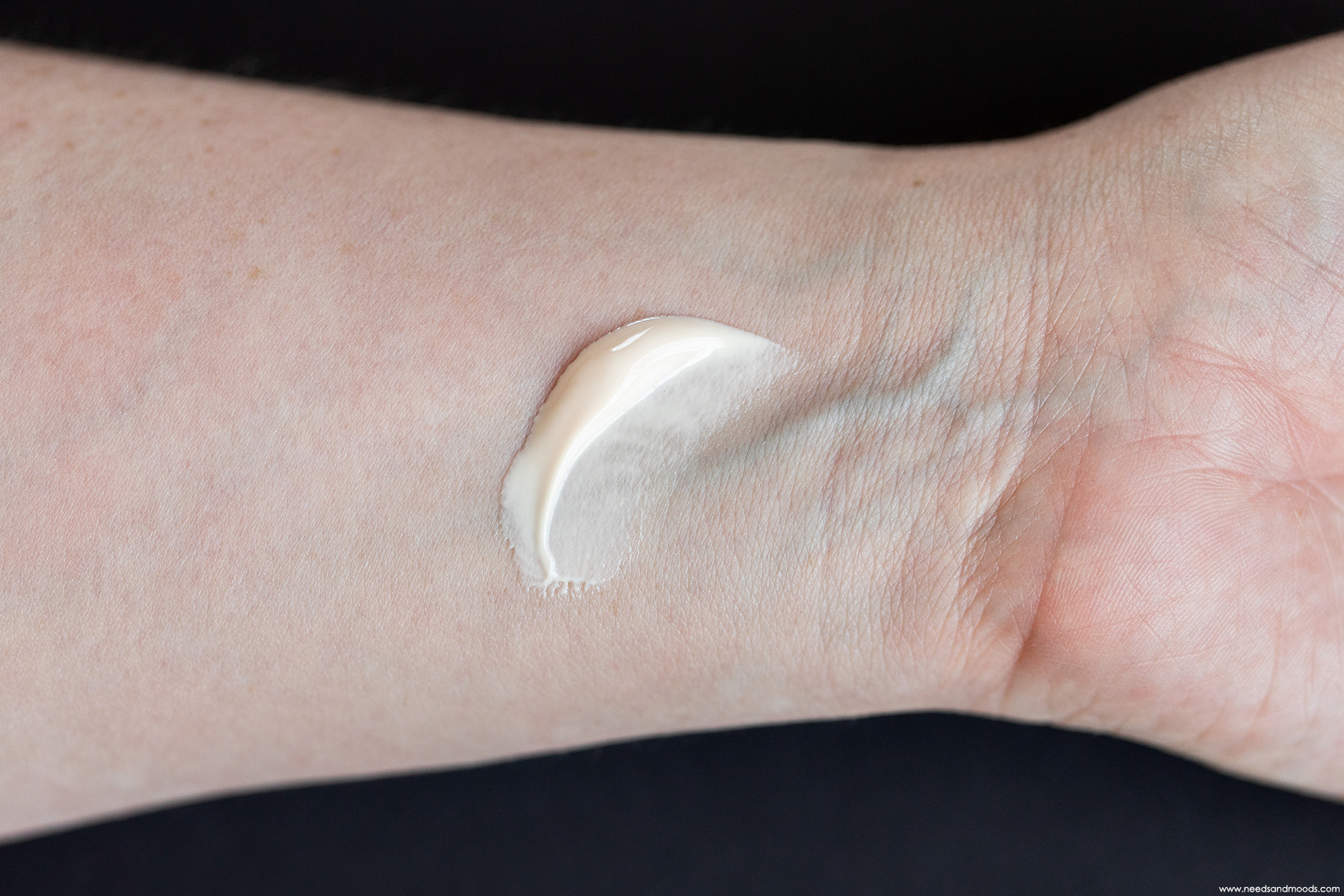 dior-bronze-creme-protectrice-swatch