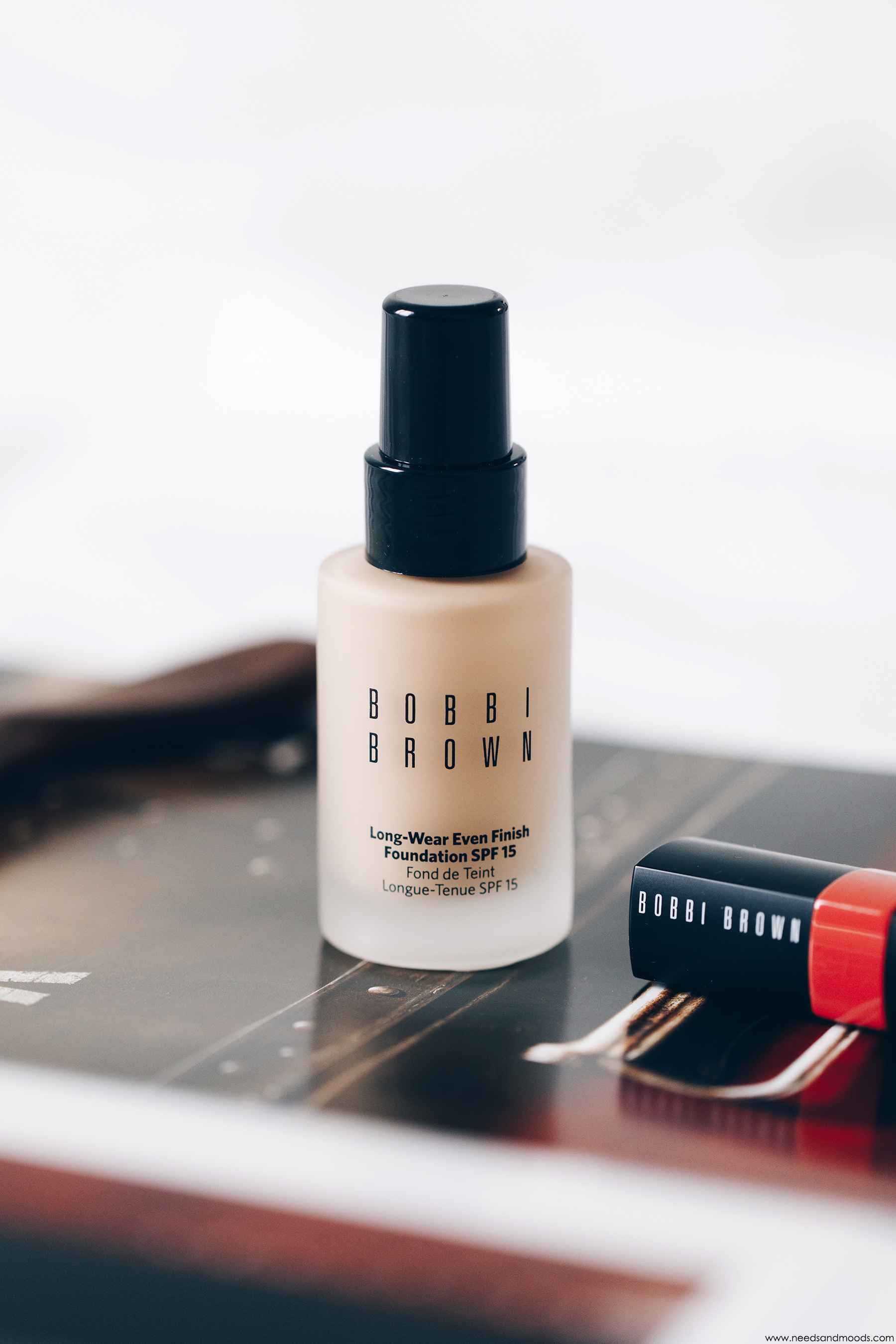 long wear even finish foundation bobbi brown