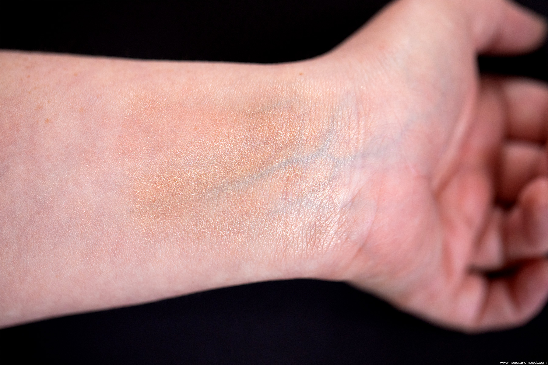 dior backstage face body glow swatch