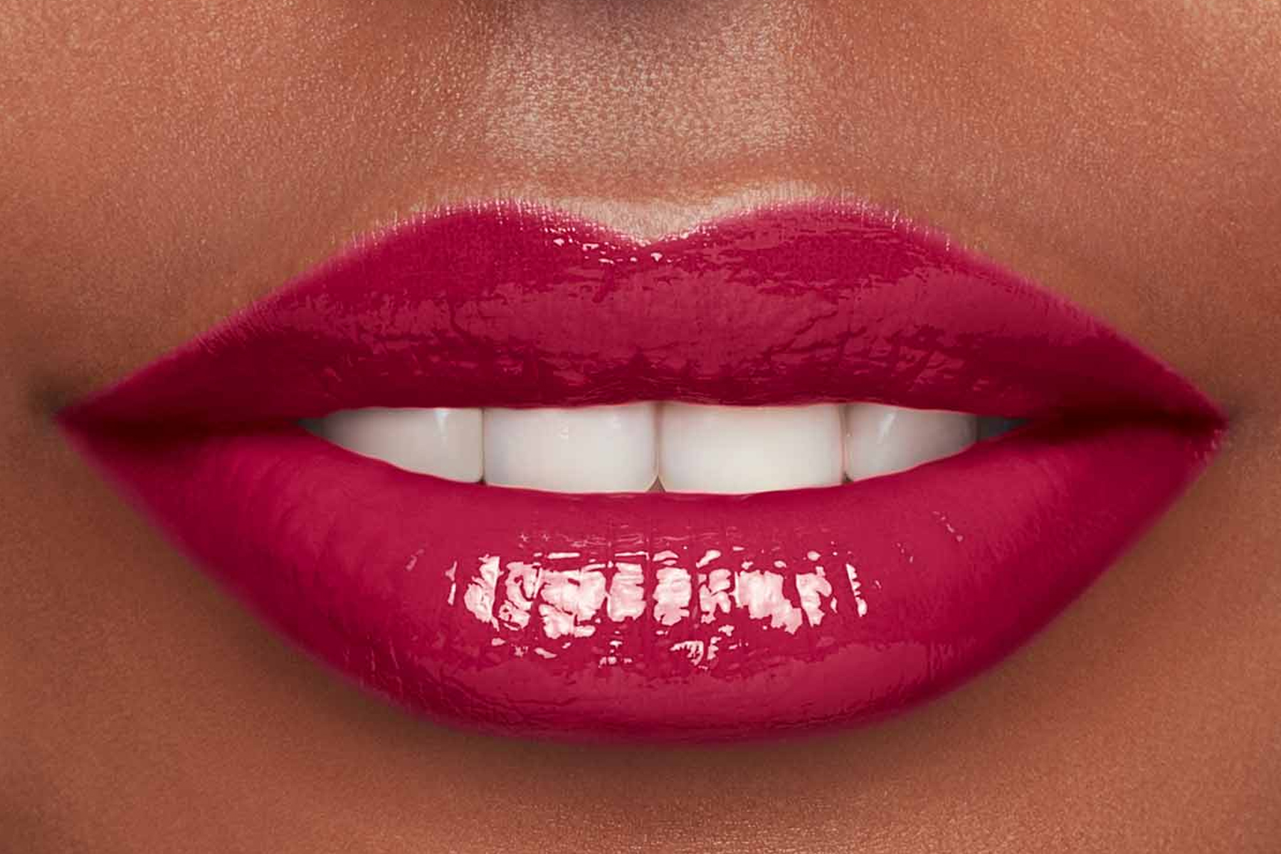 Clarins-lip-comfort-oil-intense-swatch-intense-fuchsia