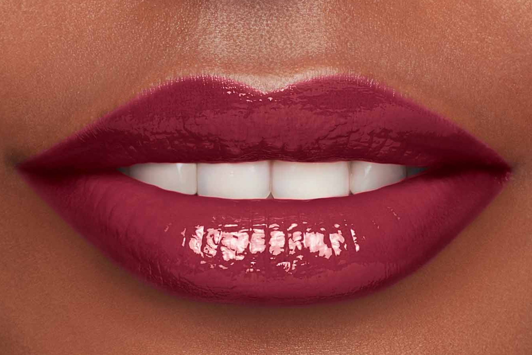 Clarins-lip-comfort-oil-intense-swatch-intense-raspberry