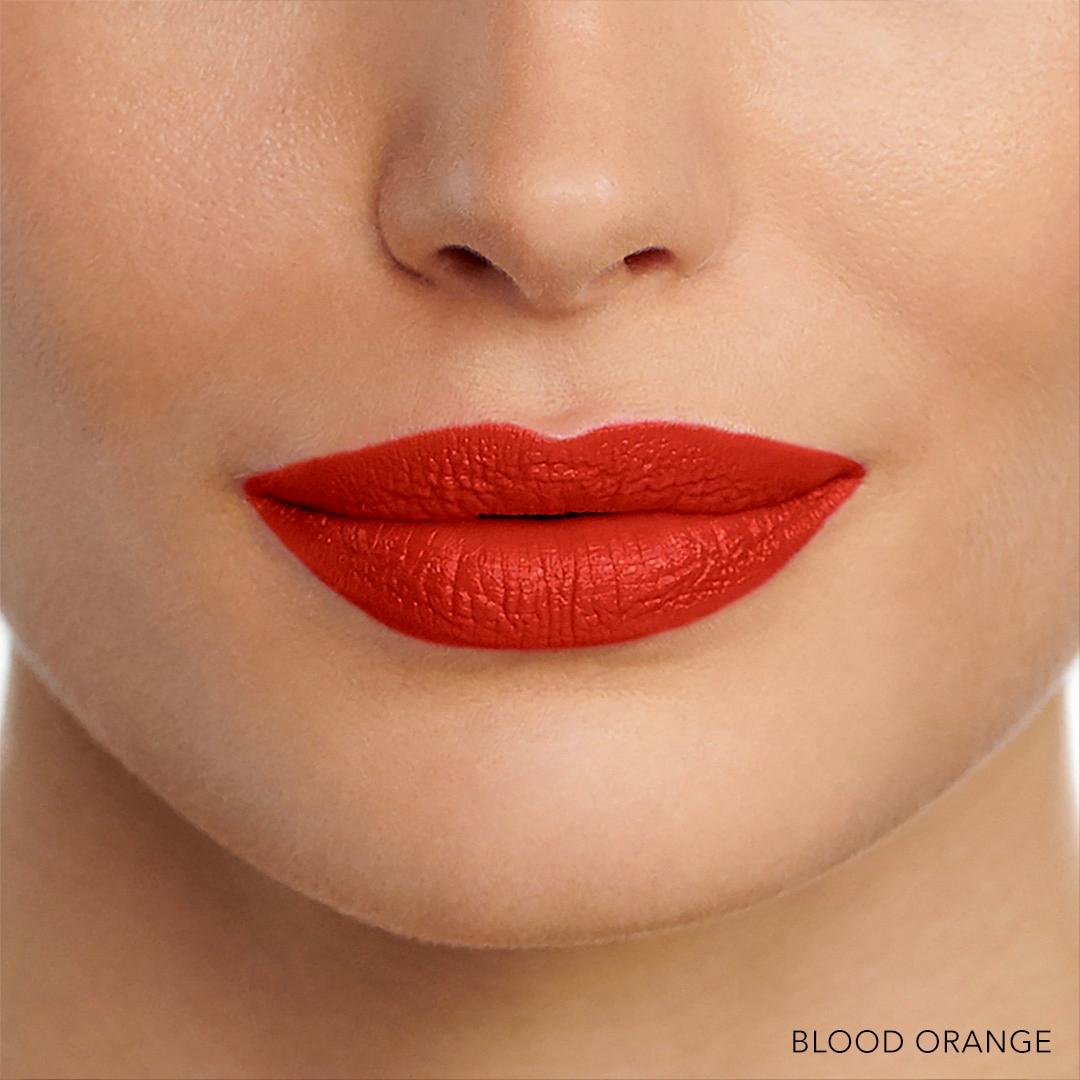 bobbi-brown-luxe-liquid-lip-velvet-matte-swatch-blood-orange