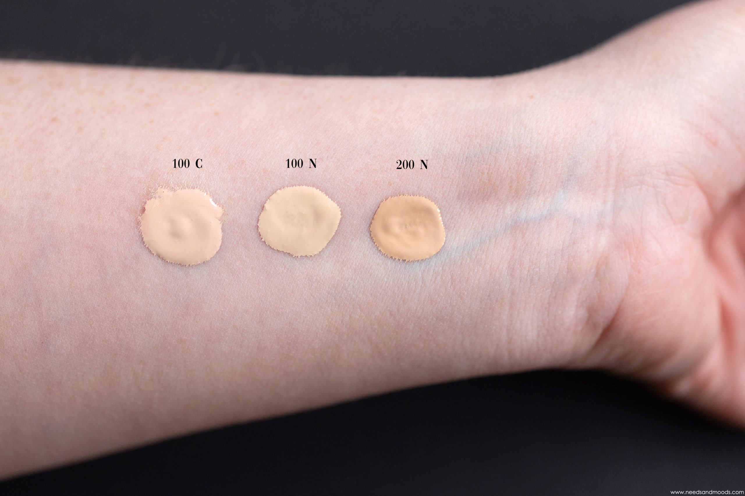 by-terry-hyaluronic-hydra-foundation-swatch