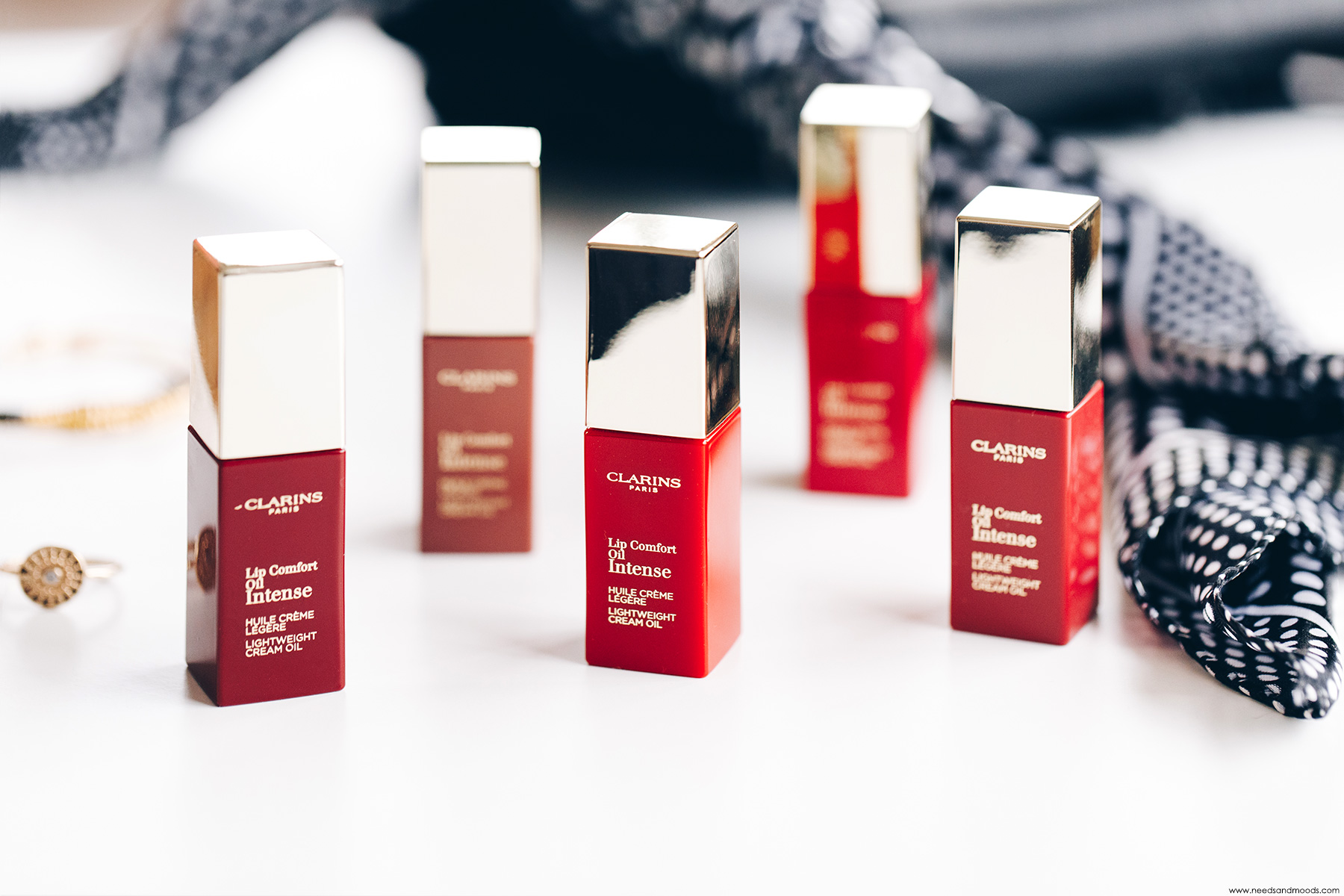 lip comfort oil intense clarins avis