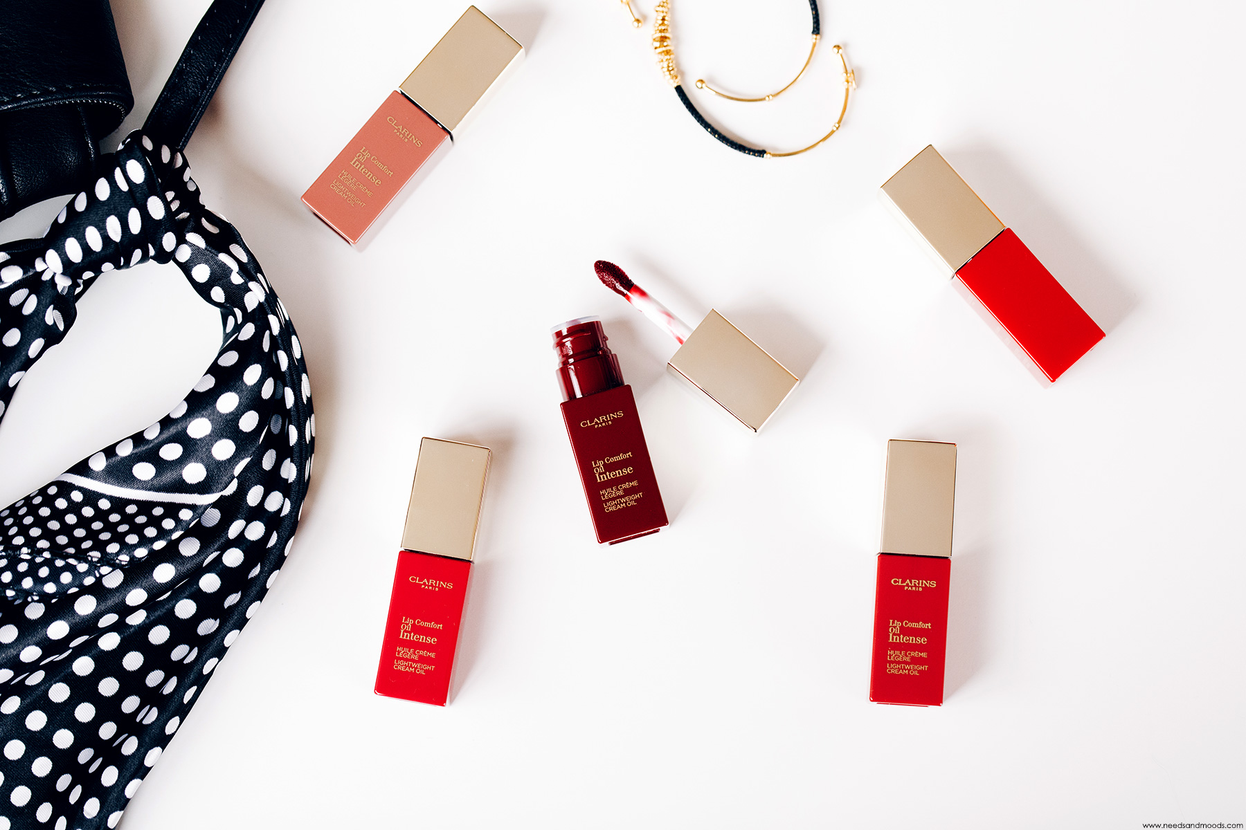lip comfort oil intense clarins