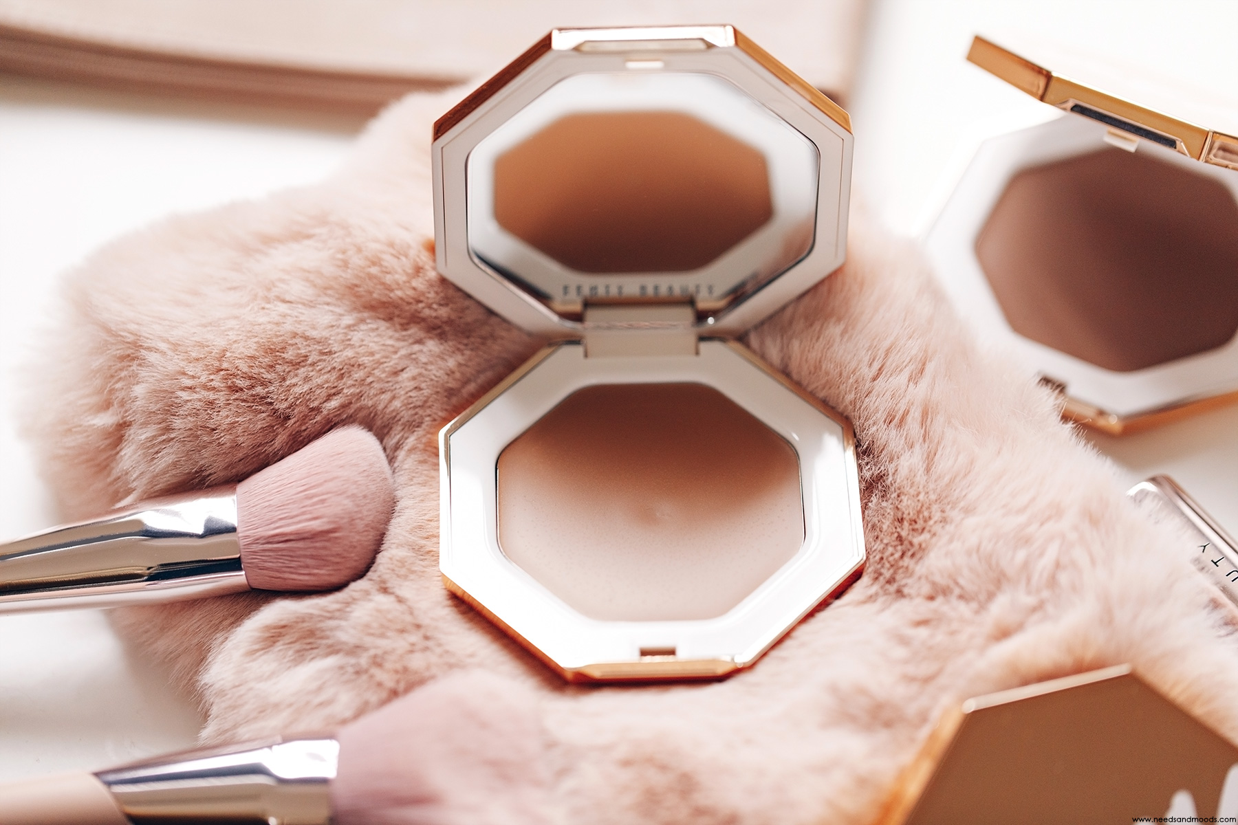 fenty beauty cheeks out freestyle bronzer creme amber