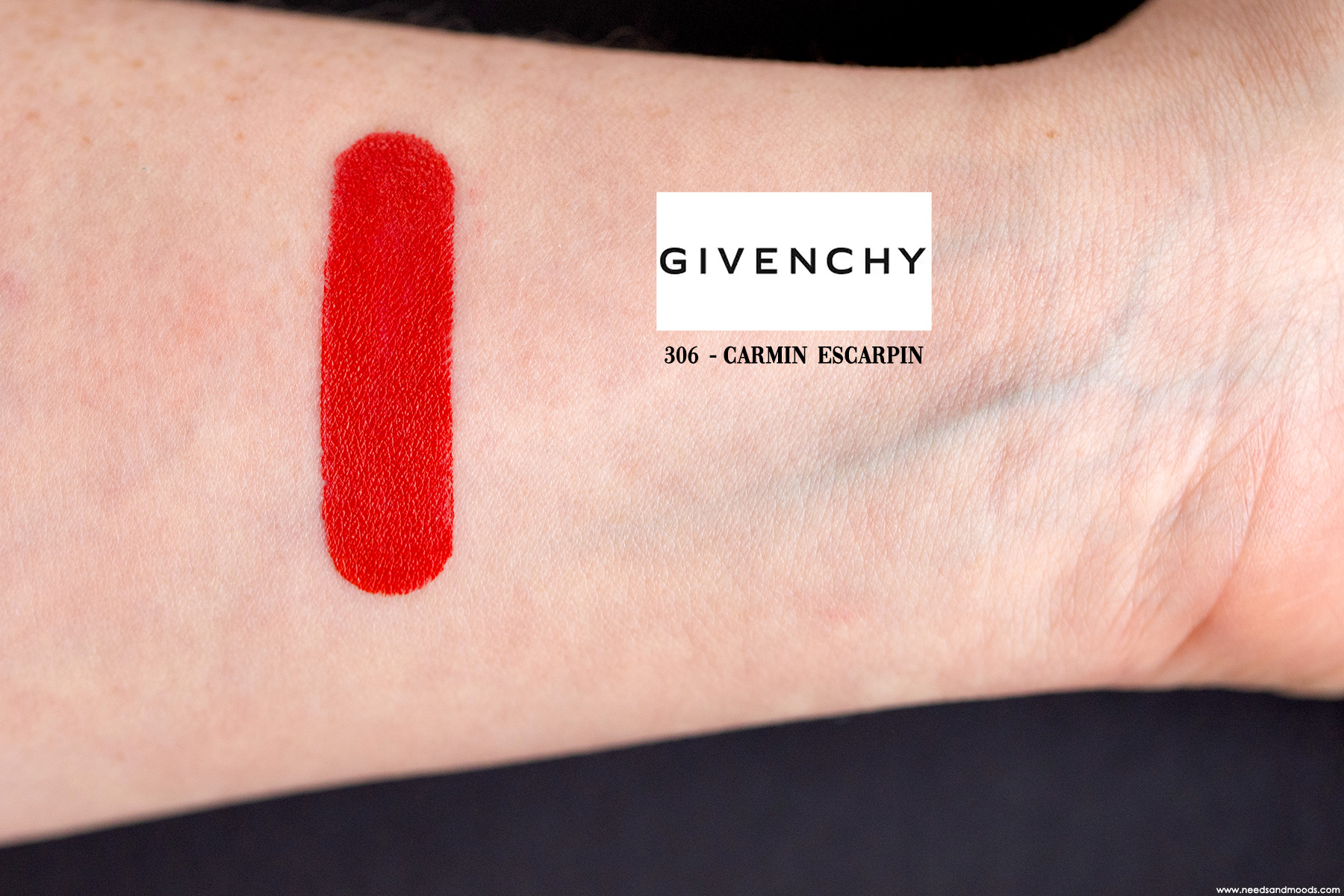 Givenchy-Le-Rouge-Carmin-Escarpin-swatch