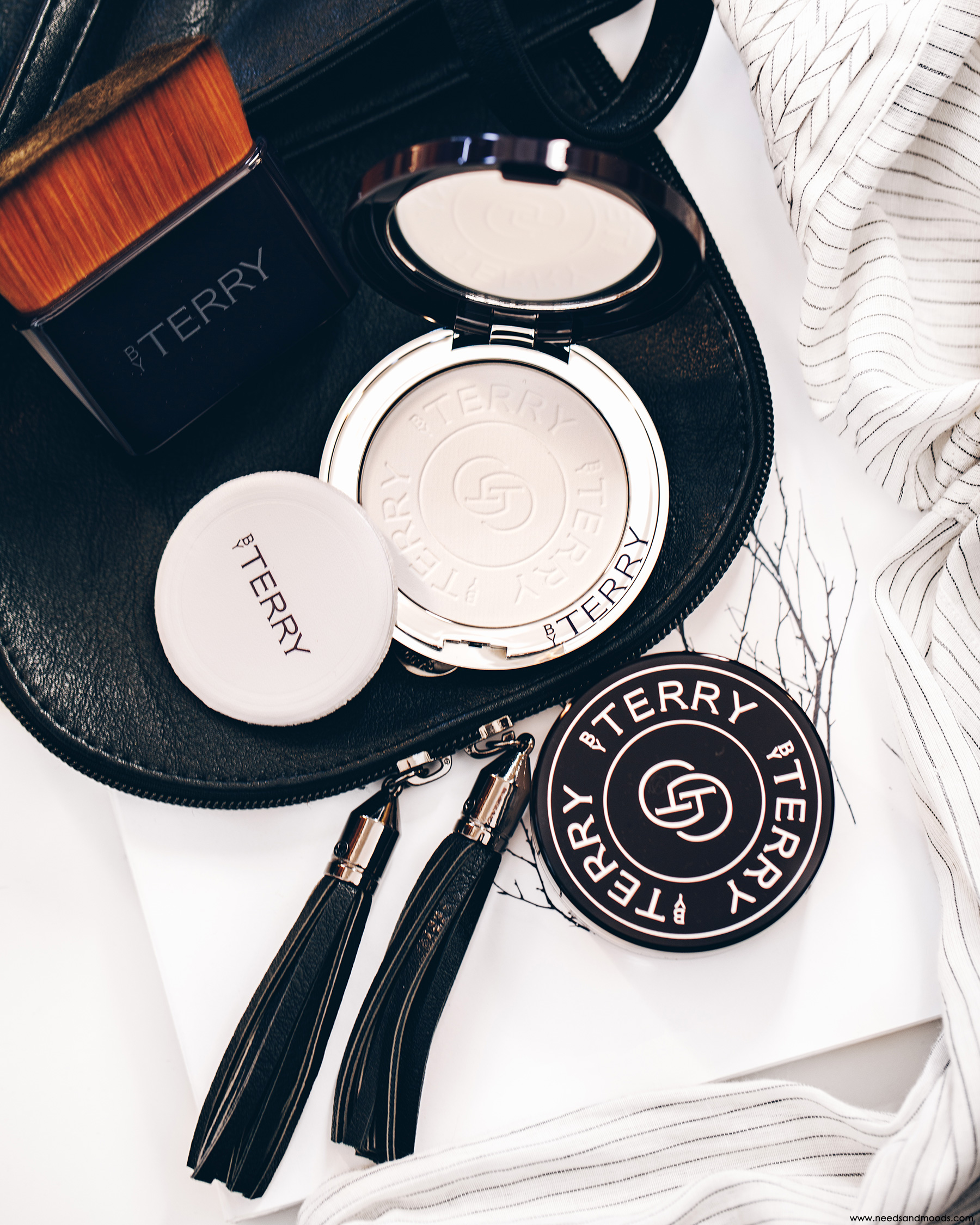 by terry Hyaluronic hydra powder pressee