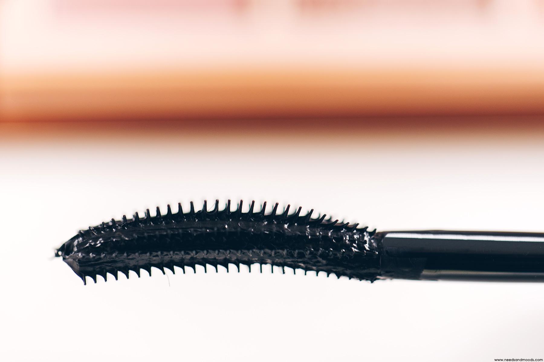 huda beauty legit lashes swatch